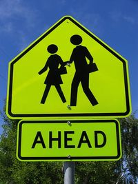 Road_sign_school