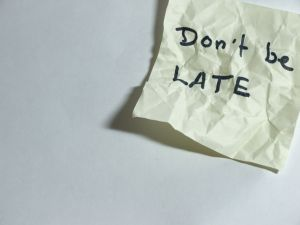 580773_dont_be_late